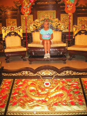 Throne3
